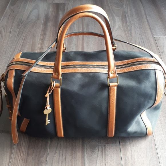 Fossil Duffle & Weekender Bag like new